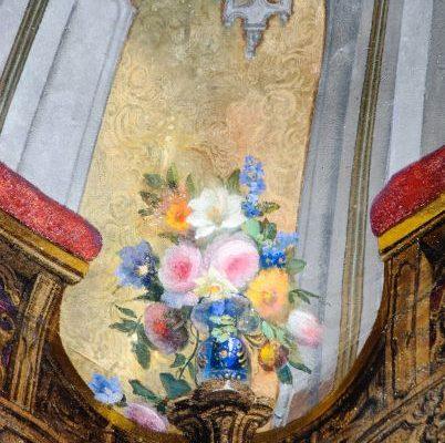 Particolare floreale del soffitto